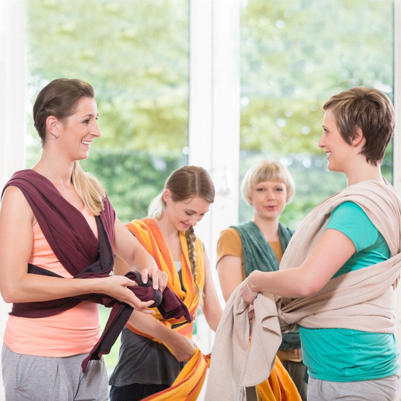Tragekurse für Schwangere und junge Eltern